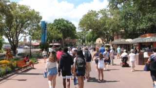 What to Pack for a Day at the Theme Parks
